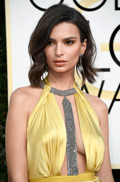 An image of Emily Ratajkowski in 2017